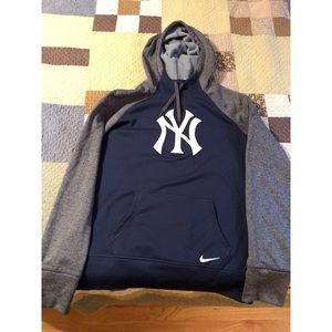 Nike Yankee Sweatshirt